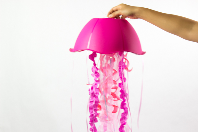 how to make giant gorgeous jellyfish from dollar store materials