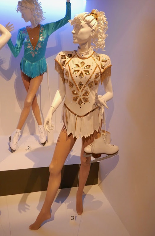Margot Robbie I Tonya figure skating film costume