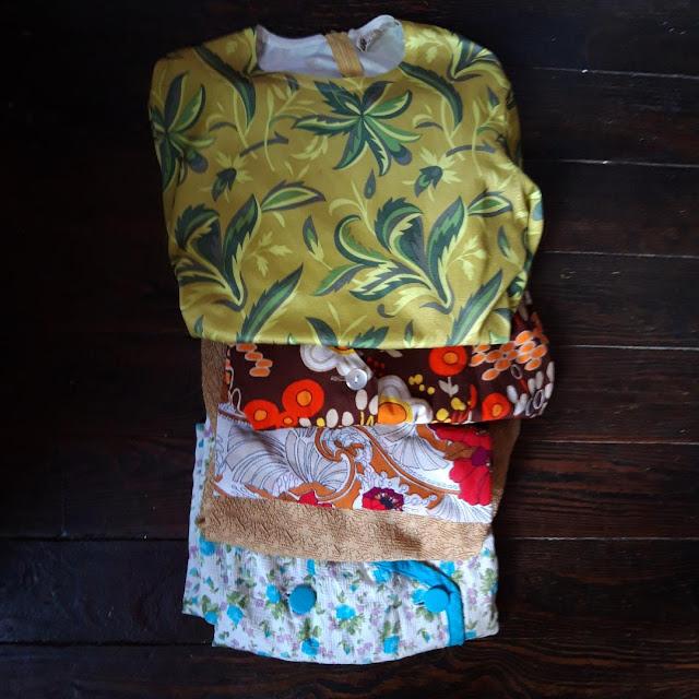 des hauts et des robes des années 60 et 70   1960s 1970s sweater and dresses