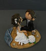 sposi per torta simpatici divertenti spiaggia top cake chiave inglese orme magiche