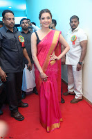 Kajal Aggarwal in Red Saree Sleeveless Black Blouse Choli at Santosham awards 2017 curtain raiser press meet 02.08.2017 013.JPG