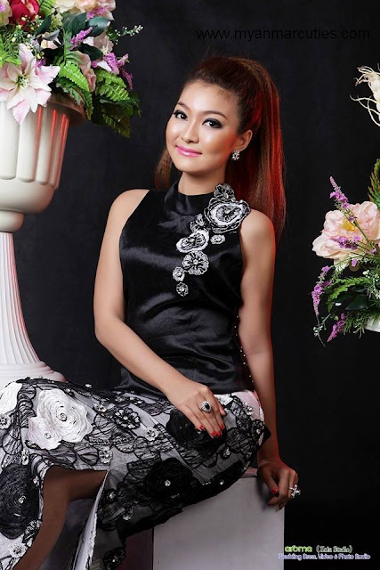Khine Thazin with black outfit