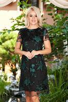 Rochie verde-inchis midi eleganta de ocazie cu un croi drept din dantela