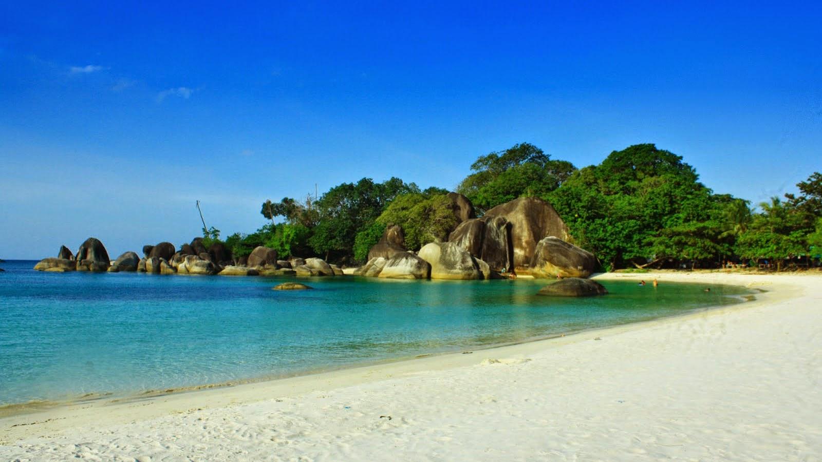 tanjung tinggi pantai laskar pelangi belitung