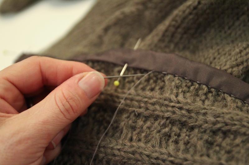 Anna Neah: Tutorial: Att göra en tröja till en kofta