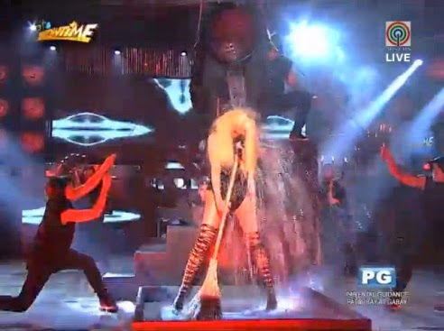 Vice Ganda does ALS Ice Bucket Challenge on It's Showtime
