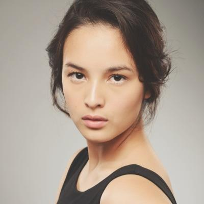 Too Big Breasts Chelsea Islan Instead No Confidence