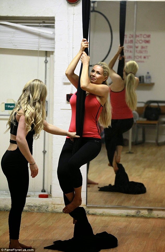 Nicola McLean hot fitness work out