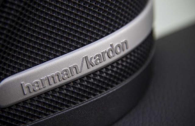 Mercedes AMG GLA 45 4MATIC 2017 sử dụng Hệ thống âm thanh vòm Harman Kardon 14 loa