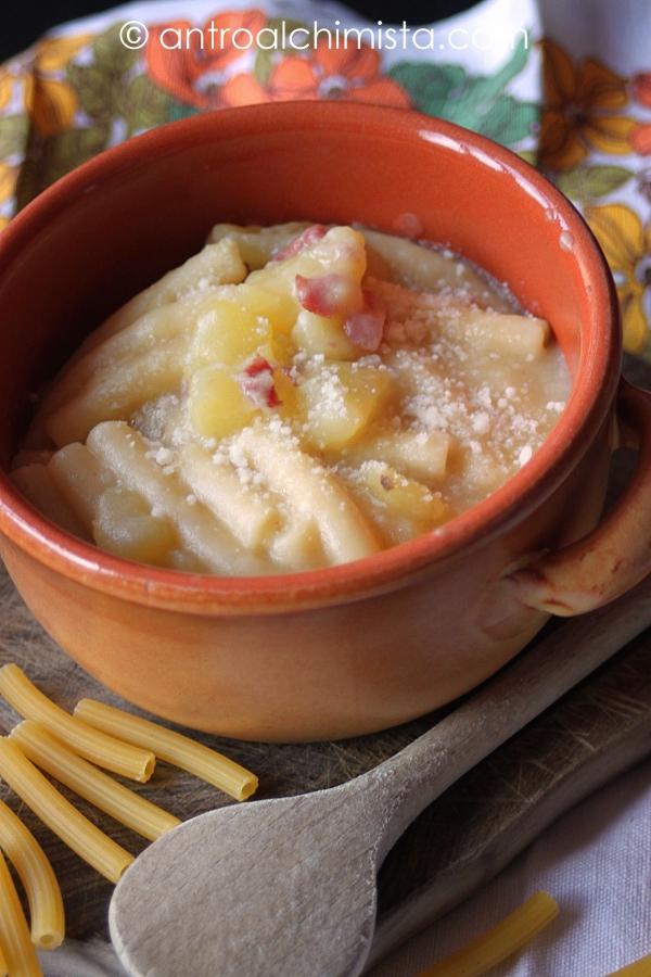 Pasta delle 4 P (Patate, Provola, Pancetta e Pecorino)