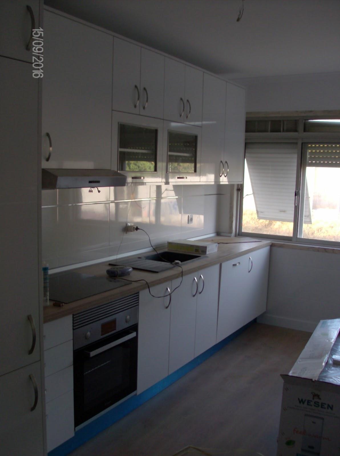 SENHOR FAZ TUDO Faz tudo pelo seu lar !®: Remodelação de Cozinhas #7C684F 1192 1600