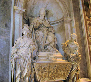 Algardi's funeral monument for Pope Leo XI