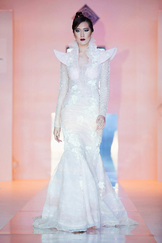 SHERWIN DARREL: FILIPINO PRIDE BREAKING RUNWAYS AT JEWELLERY ARABIA 2016