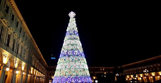 Torino Piazza San Carlo Albero Natale 2018