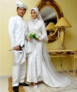 Baju Pernikahan Adat Jawa Muslim