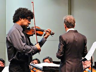 José Fernándes Pereira Neto y Orquesta Filarmónica de Mendoza, Teatro Independencia