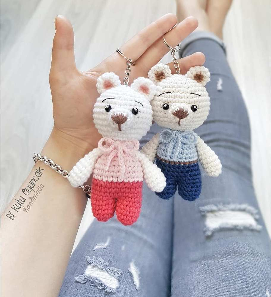 Crochet bears with heart pattern - Amigurumi Today | 1000x912