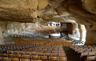 La iglesia de la cueva