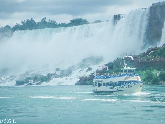 Maid of Mist. Cataratas del Niagara.