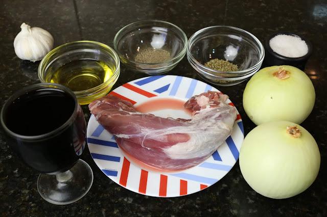 Ingredientes para solomillo de cerdo encebollado al Pedro Ximenez