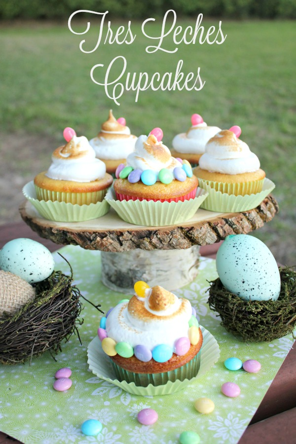 These tres leches cupcakes are the perfect cupcake for your Easter or Pascua celebration! They are light, moist and so insanely delicious!  #SweeterPascua #MyColectiva #ad