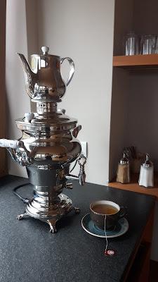 Tee trinken nach der Sauna
