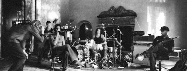 Audioslave se reúne y toca para rendir tributo a Cornell