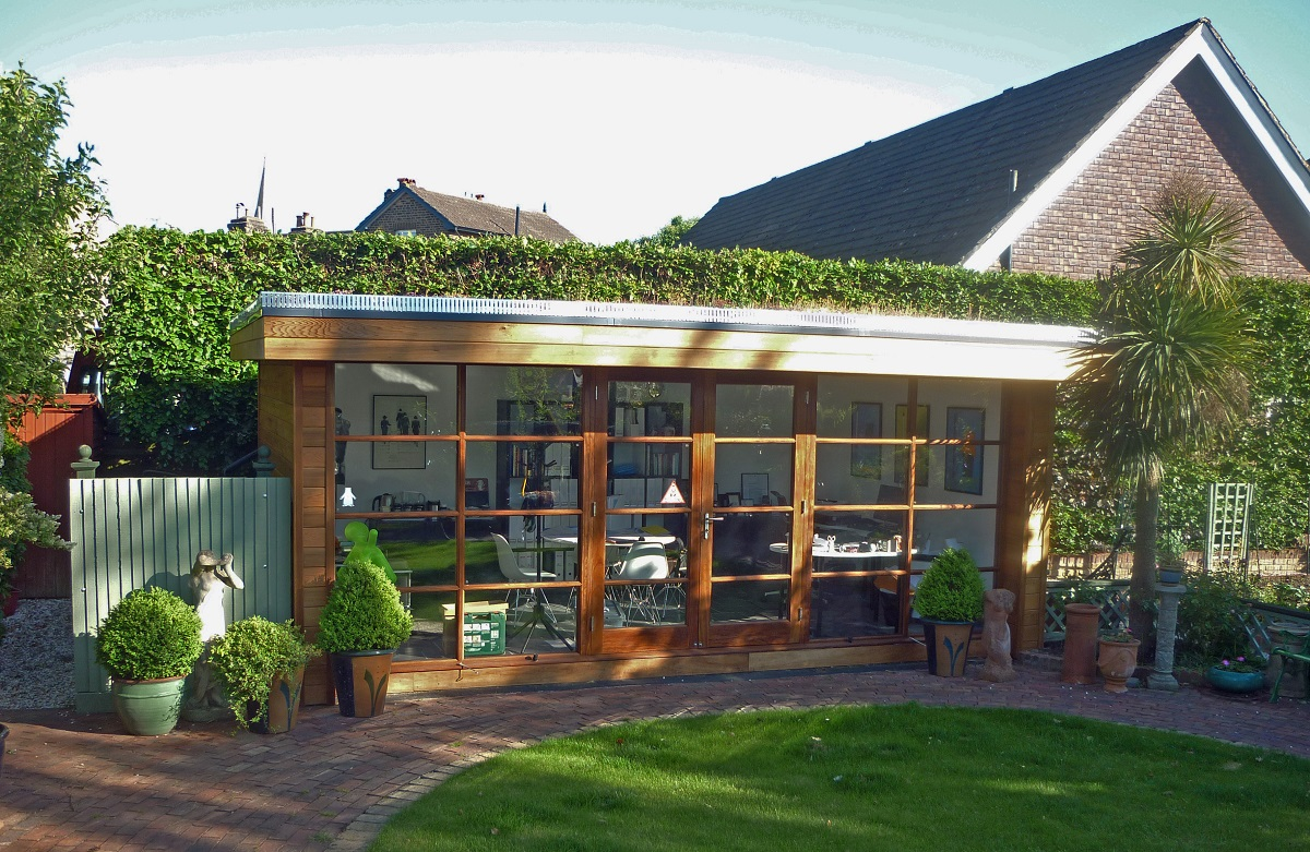 Shedworking how to build a garden office in seven days for Build an office in your garden