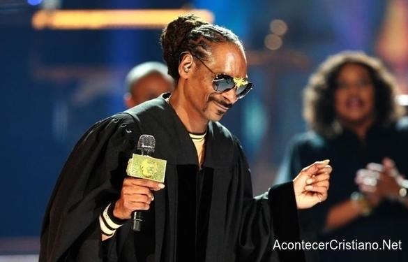 Rapero Snoop Dogg lanza álbum de Gospel