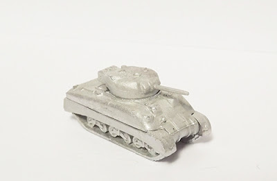 BRV28   M4A1 Sherman, 75mm, back box, sand skirts
