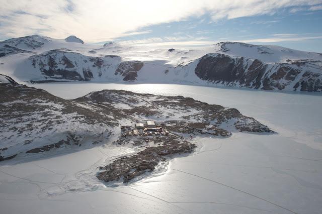 "La base italiana in Antartide ""Mario Zucchelli"""