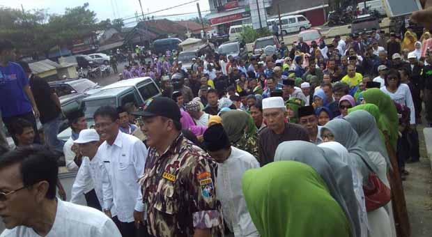 Ribuan Pendukung Herdiat Iringi Pengembalian Formulir Cabup Ciamis