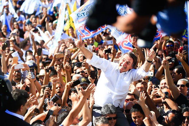 Resultado de imagem para bolsonaro apoiadores samambaia