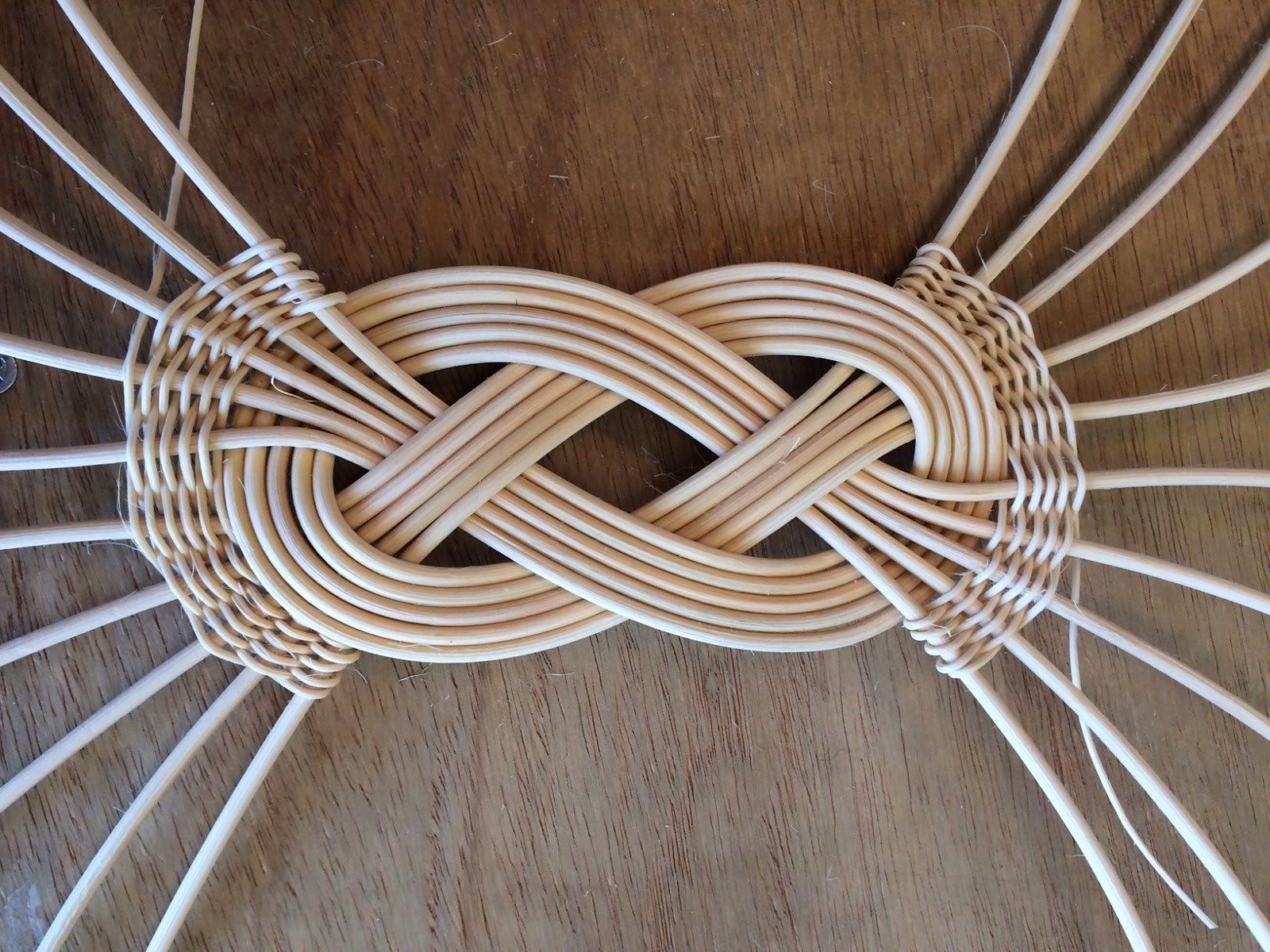 Baskets and more      : Josephine Knot