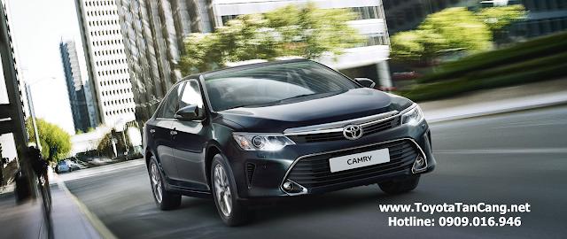 Điểm nhấn của Toyota Camry 2015 nằm ở phần đầu xe
