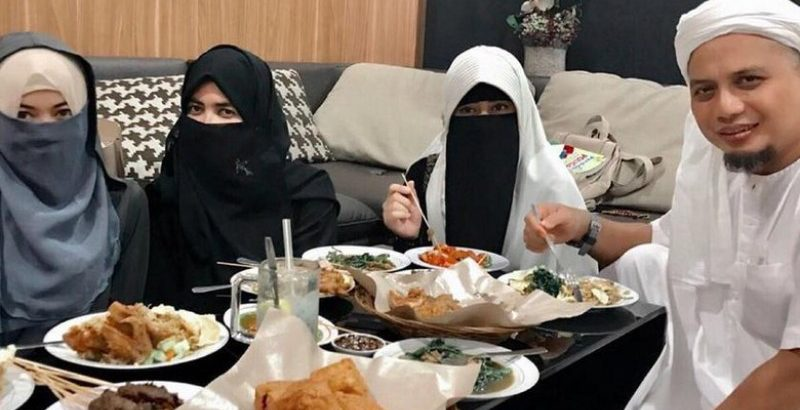 Ustadz Arifin Ilham Menikah Lagi, Ini Postingan Istri Pertamanya di Medsos