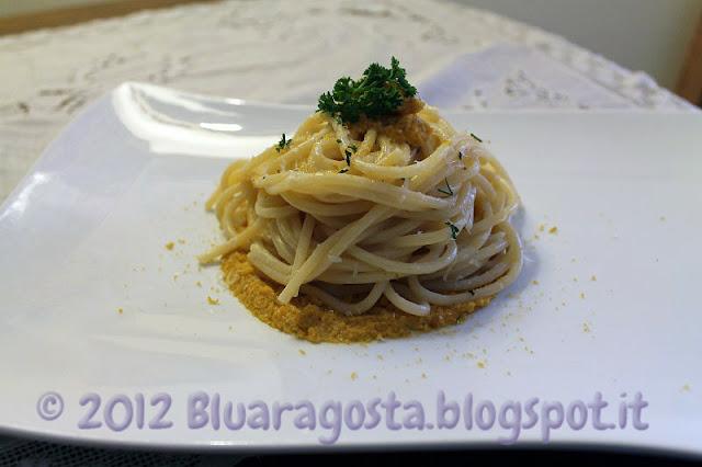 spaghetti cacio, pepe, ricci di mare e bottarga