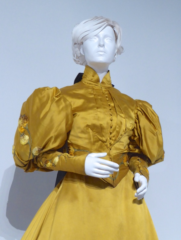 Crimson Peak Edith Cushing movie costume