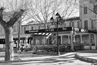 Le Café Place des Lices Saint-Tropez