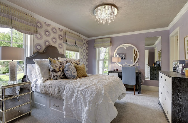 Feminine Bedroom Decorating Ideas