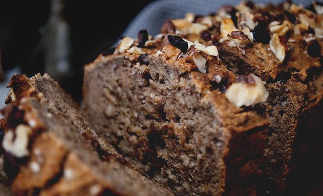 banana, bread, yunaban, vegan, blog, schweiz, swiss, bananenbrot, glutenfree, glutenfrei, nuts, recipe, rezept, oil, free, sugar, refined, sugar, free, zuckerfrei, baking, plantbased