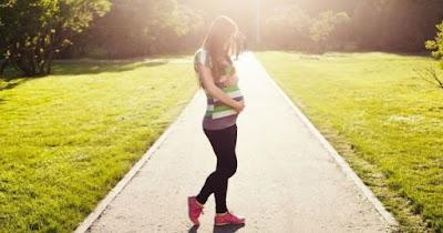 7 Tips Hamil Tanpa Resiko Keguguran untuk Wanita Super Sibuk