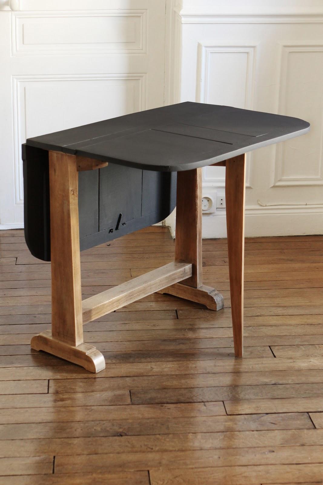 de derri re les fagots la table manger pliante 300 euros vendue. Black Bedroom Furniture Sets. Home Design Ideas