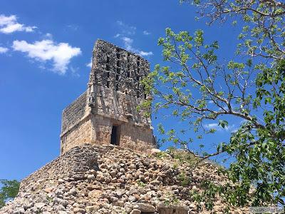 Pyramide et mirador, Labna, Ruta Puuc, Mexique