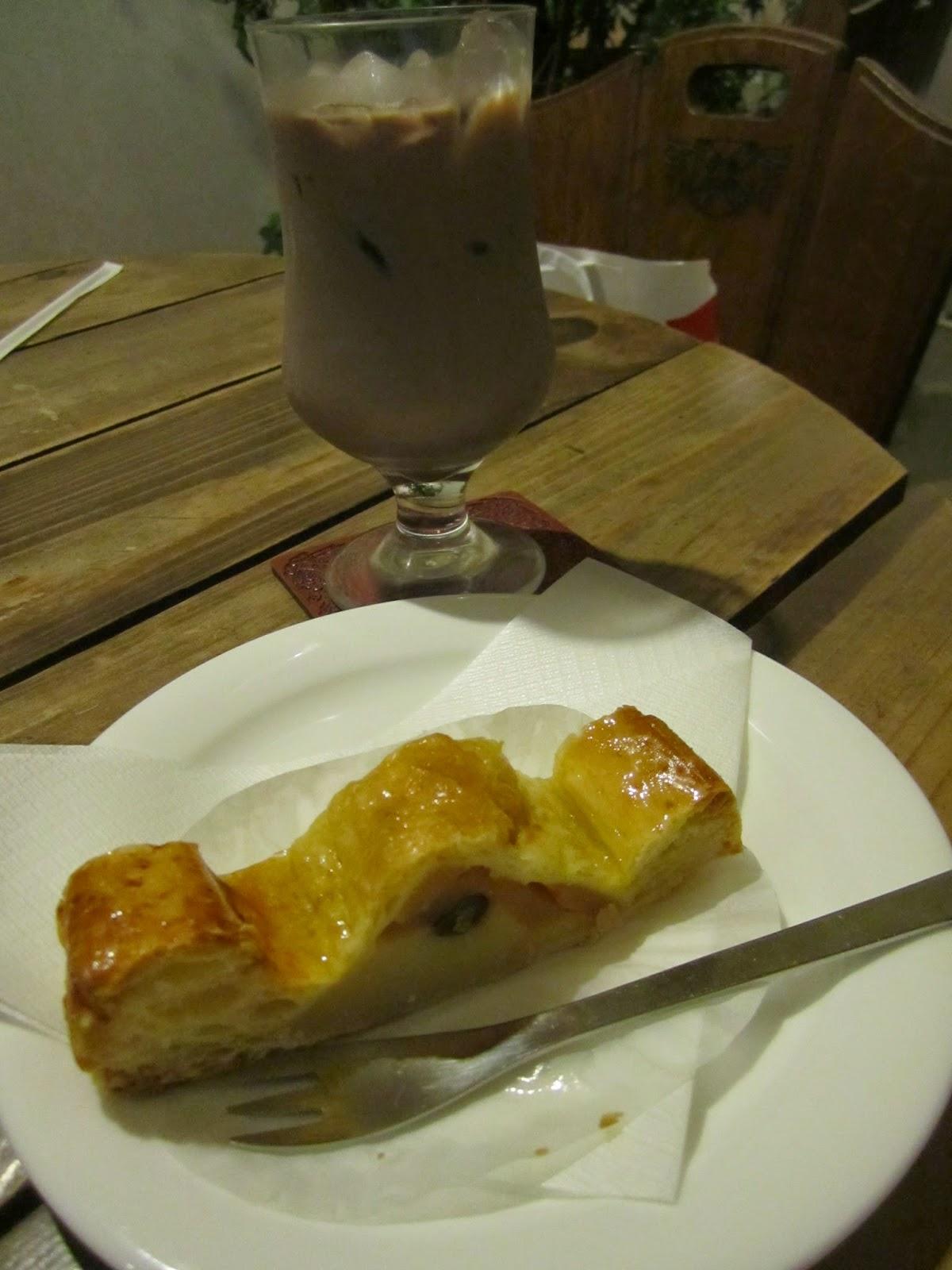 Apple and Sweet Potato Pie Gaucho Towada Cafe りんごとさつもいものパイ ガウチョ 十和田市 カフェ