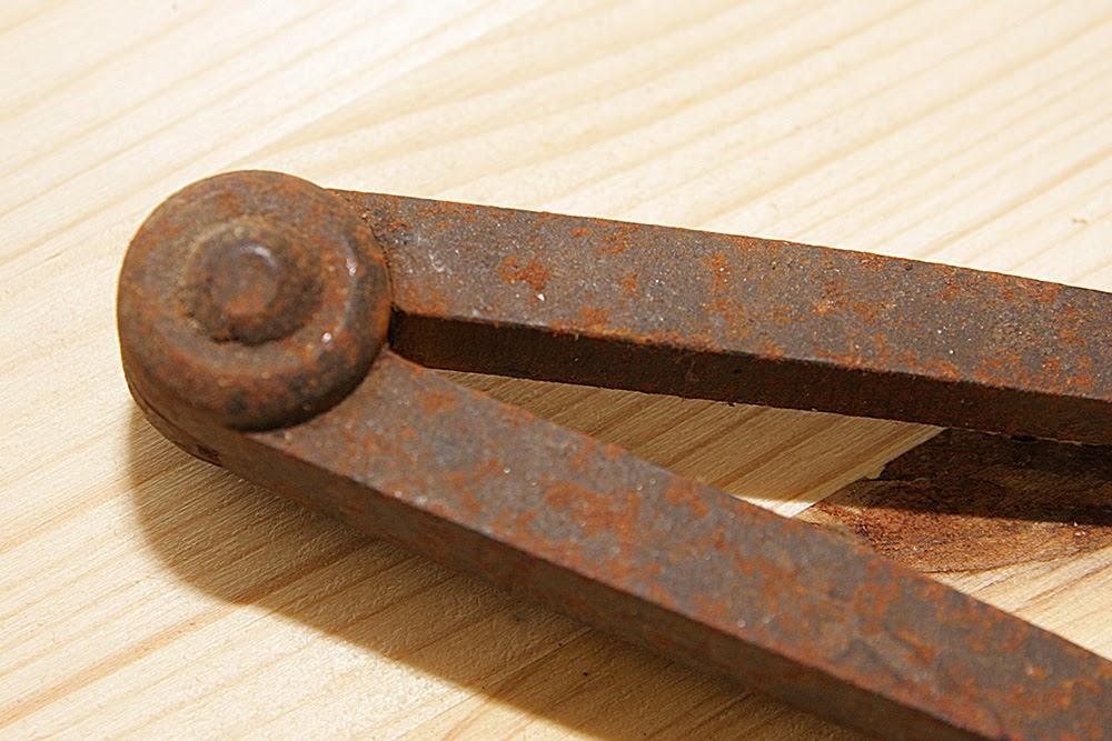 Pulizia restauro del ferro con elettrolisi guida vecchio compasso