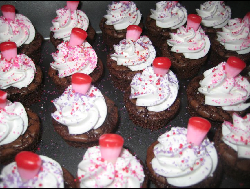 Amanda s Parties To Go  More Cute Valentine s Ideas  She also made these little brownies bites and added a few easy Valentine s  touches      some sparkling sugars in Valentine s colors and a sweet  Valentine