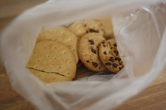 Easy-rocky-road-fridge-cake-recipe-blog-post