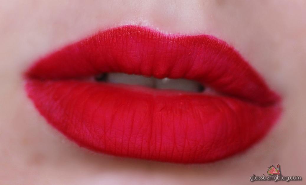 Makeup Atelier Paris - Longwear Lip Colour - RW05 Rouge Rose review swaches glossberry בלוג איפור וטיפוח אטלייר אטלייה פריז שפתון נוזלי עמיד אדום האתר הפולני סקירה