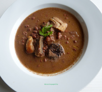 Cocinando con vicky recetas de cocina receta de alubias de tolosa con costilla morcilla y chorizo - Alubias rojas con costilla ...